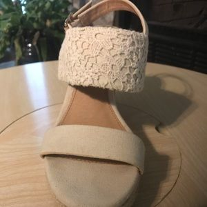 Report Shoes - Wedge lace heels- Great Wedding Shoes!